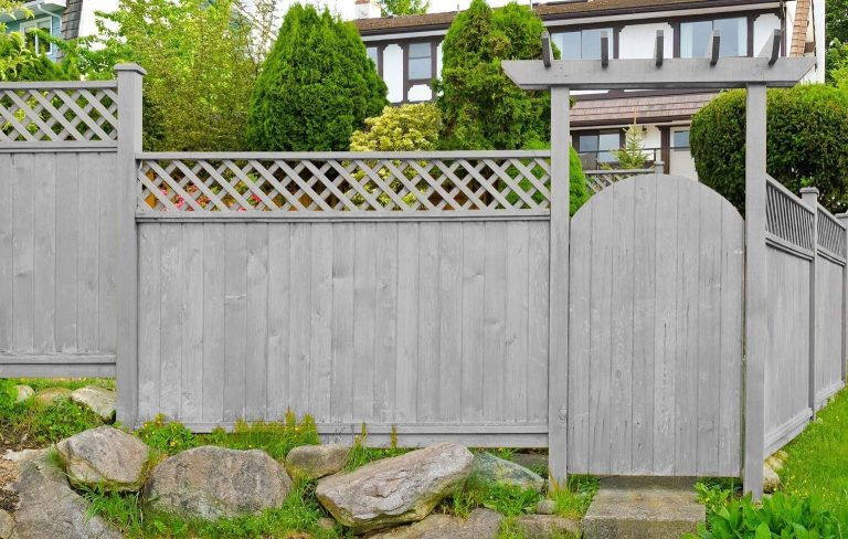 Wood Fence Stain Colors That Impress My Neighbors - All Of Your Wood Staining Qu...