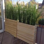 Pallet Planter Privacy Wall: Only Support Pallet At The Ends, Insert Over The Tray Of Pot...